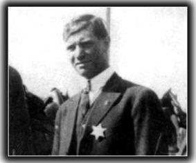 Μια σταγονα ιστορια: Ο Ελληνας Λούης Τίκας τα εβαλε με τον Ροκφελερ και επεσε νεκρός