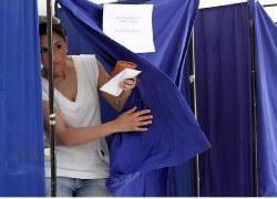 Ντέρμπι δείχνουν τρεις νέες δημοσκοπήσεις