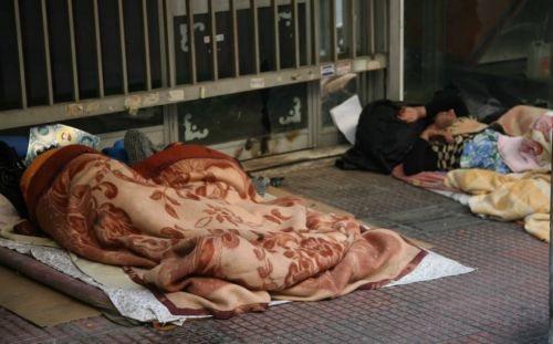 Ο λαός πεινά και οι πολιτικοί τον ταΐζουν… Χρυσή Αυγή