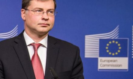 Dombrovskis confirms that Greek economy is recovering