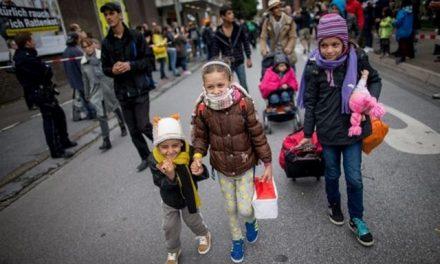 Politico: Αλληλέγγυα η Αυστρία στην Ελλάδα για την προσφυγική κρίση