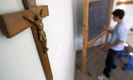 Ιερά Σύνοδος: Δεν καταργείται η προσευχή στα σχολεία