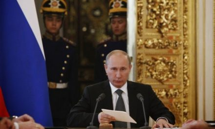 Putin congratulates Greece on Independence Day