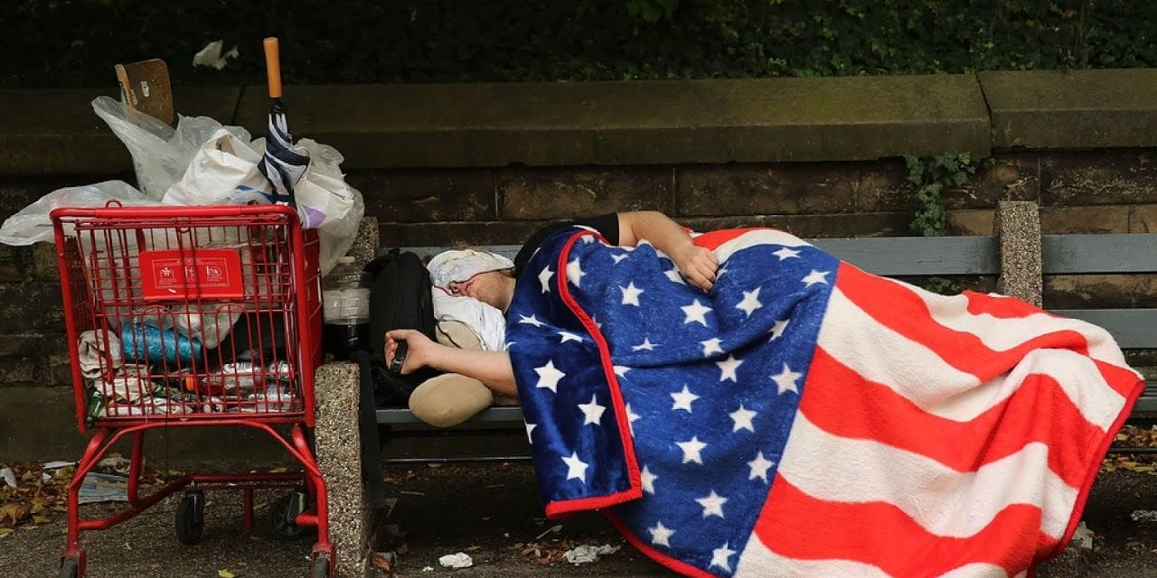 Τhe Distressed Communities of America